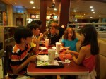 Cena en Mc Donald's. ¿En donde mas?