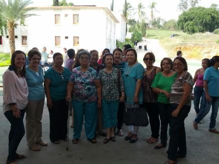 Las hermanas de la comunidad que ese día además celebraban el Día de las Madres.