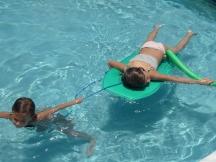 Más relax en la piscina.