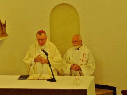 El Nuncio con nuestro catequista